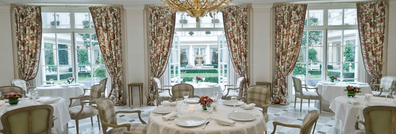 le-bristol-paris-epicure-restaurant