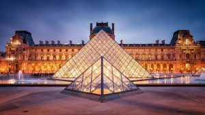 France attracts record number of holidaymakers